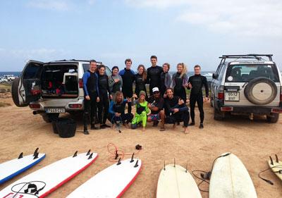 Der Surfkurs mit den Surfcoachs Alejandro und Gloria