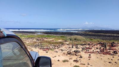 Mit dem Jeep auf der Suche nach Surfspots am North-Shore