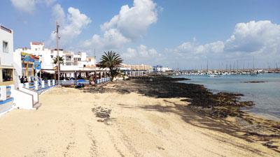 Die Strandpromenade lädt zum Verweilen ein