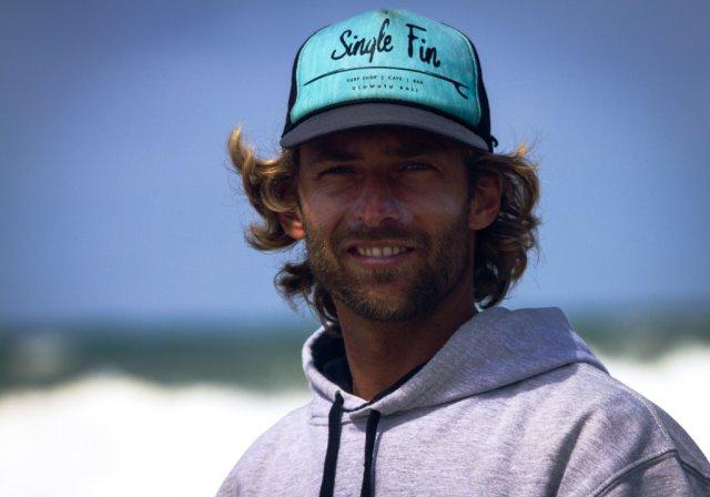 Bild 2 von 19 // studisurf Surfcoaches